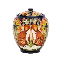 Moorcroft Fox and cubs jar product photo