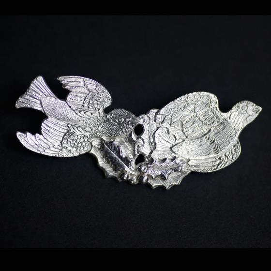 Malcolm Appleby Sparrow silver brooch product photo