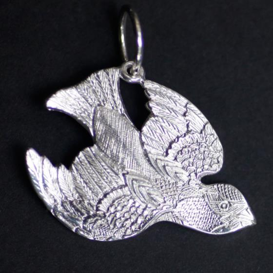 Malcolm Appleby Sparrow silver pendant product photo
