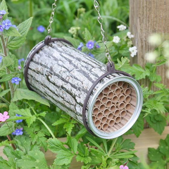 Bee nesting tin product photo Default L